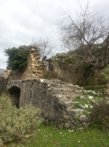 Ruins of a large house, Tragjas, March 2013