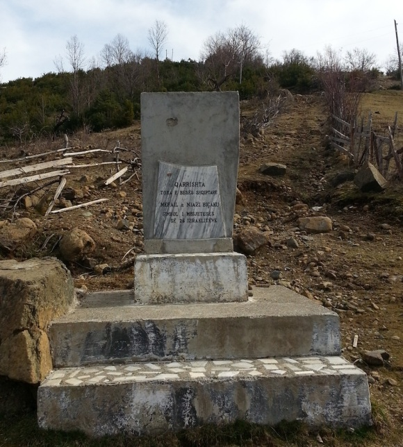 A memorial commemorating the role of the Biçaku family from Qarrishtë in saving 26 Jews from the Germans during World War Two