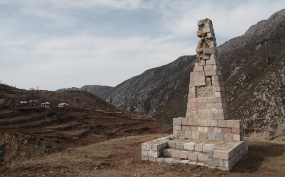 Partisan memorial in Qarrishtë